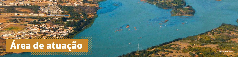 Vista aérea de rio na caatinga